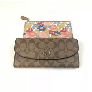 Coach Wallet Bifold Button Shut Signature C Beige